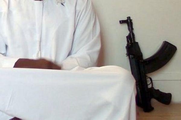 L'une des armes présentées par Coulibali dans ses vidéos.