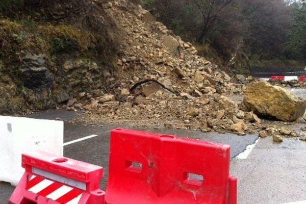 La route de Sospel est coupée trois kilomètres avant Castillon