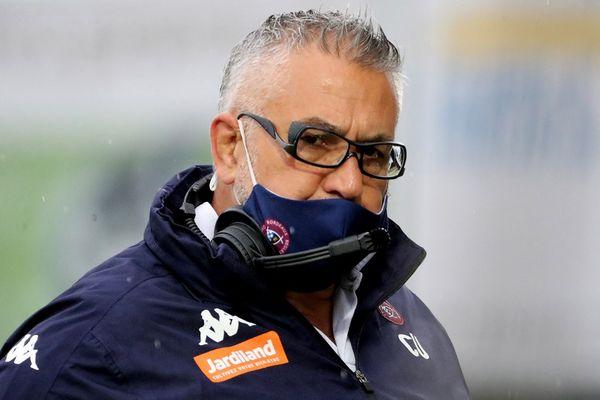 Photo d'illustration. L'entraîneur de Bordeaux-Begles Christophe Urios lors du match du 21 mai à Agen.