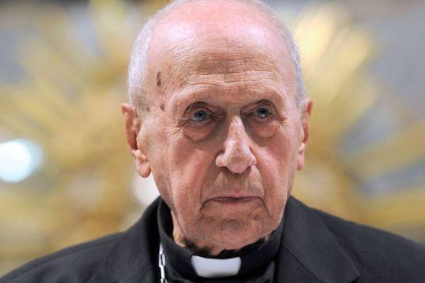 Le cardinal Roger Etchegaray a été ordonné prêtre le 13 juillet 1947 à Espelette, la commune du Pays basque où il est né en 1922.