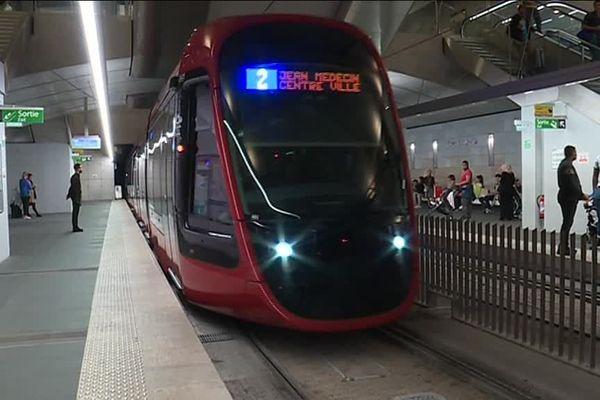 À quelques semaines de l'inauguration de la ligne 2 du tramway, les derniers essais sur le trajet Jean-Médecin jusqu'à la station Port Lympia