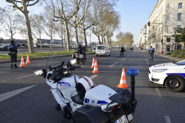 Contrôle de police pendant le confinement du printemps 2020 à Lyon