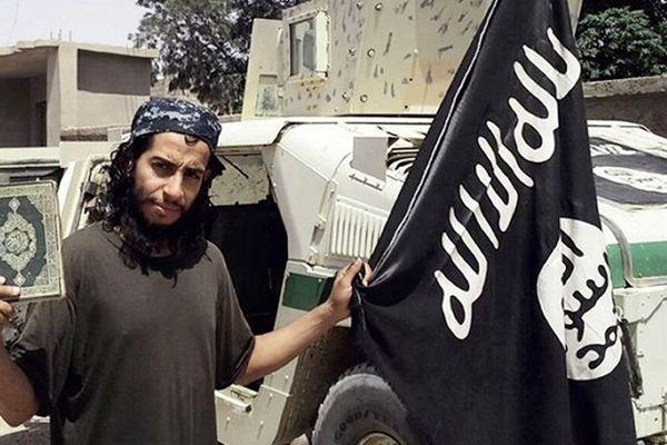 Une photo non datée, prise du magazine en ligne en anglais du groupe EI Dabiq, montrant probablement Abdelhamid Abaaoud