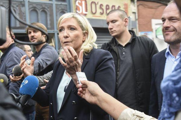 Marine Le Pen en visite à Hénin-Beaumont, en août 2019.
