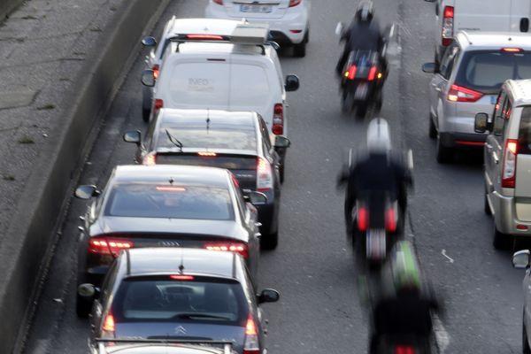 La circulation interfile n'est plus autorisée depuis le 1er février 2021.
