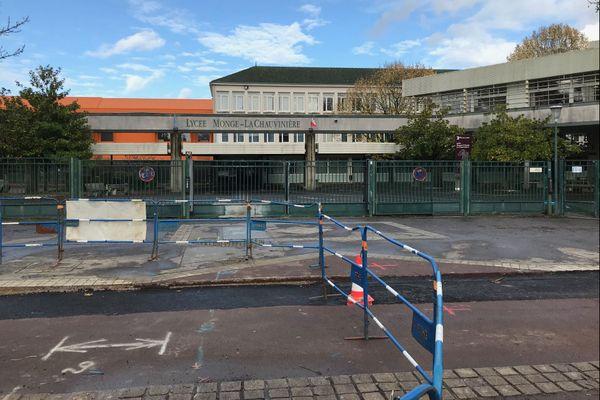 Le lycée Monge où ont eu lieu les incidents.