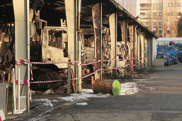 11 véhicules détruits et 2 endommagés dans l'incendie criminel d'un bâtiment Enedis