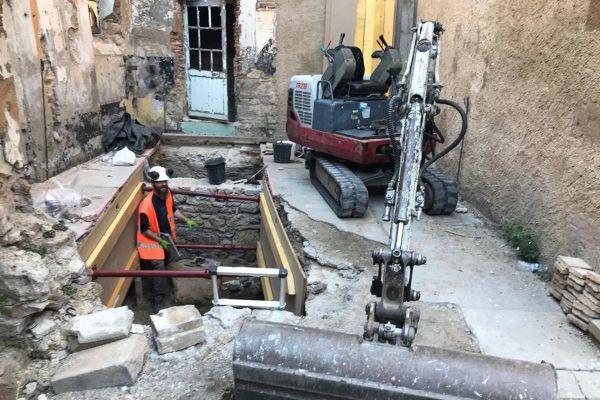 Cet été, le Conseil départemental de l'Allier a lancé une campagne de fouilles au château de la Mal coiffée à Moulins.