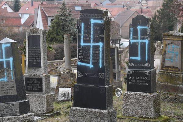 Des croix gammées découvertes dans le cimetière de Quatzenheim ce mardi 19 février.