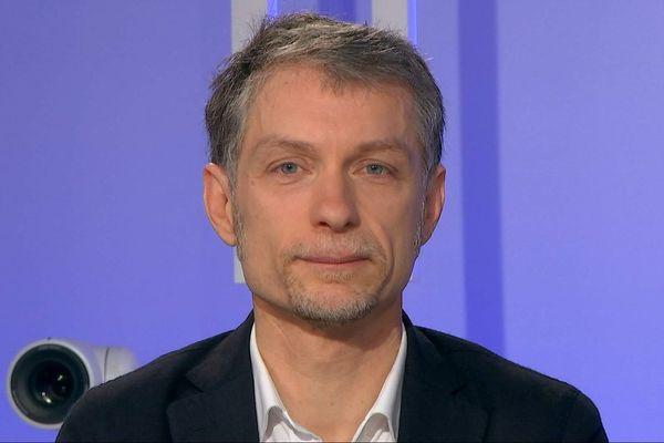 """Municipales à Lille : Stéphane Baly (EELV) dénonce des propos """"grotesques"""" et """"outranciers"""" de la droite"""