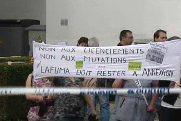 Salariés en colère devant l'entreprise d'Anneyron (Drôme) le 14 juin 2013