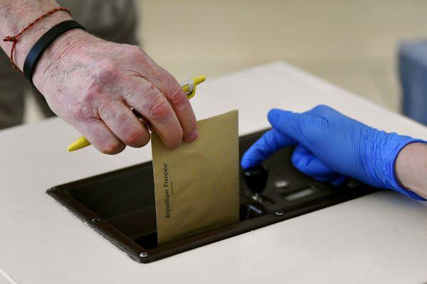 Le 20 et le 27 juin auront lieu les élections régionales et départementales.