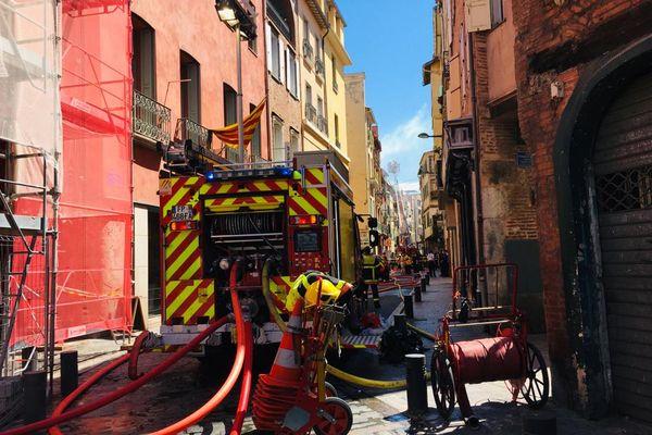 Le feu s'est propagé sur un second immeuble mitoyen