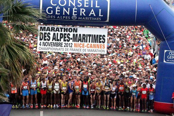Ligne de départ du marathon Nice - Cannes en 2012