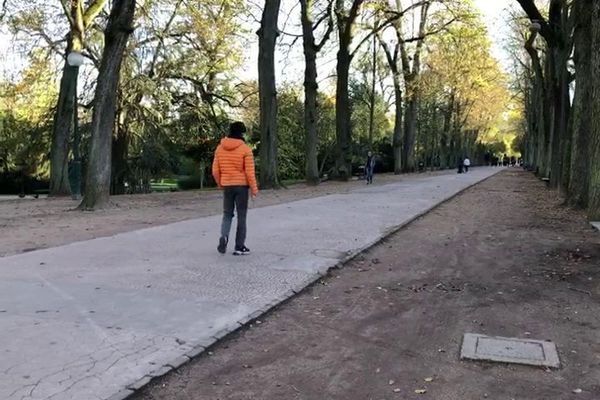 Les promeneurs sont de plus en plus rares au parc de la Pépinière de Nancy.