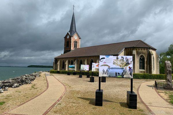 L'église de Champaubert, au bord du lac du Der, accueille une exposition phare de la Balade printanière.