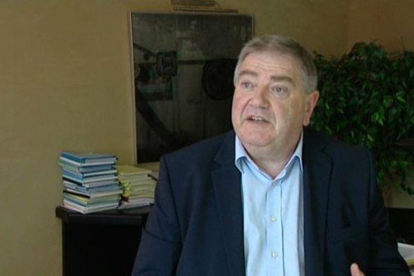 Yvan Saumet Président de la CCI du Loir-et-Cher - La Chambre de Commerce et d'Industrie du Loir-et-Cher a décidé de ne pas approuver ses comptes et ne pas valider son budget 2014. Une manière pour elle de s'opposer à un prélèvement de l'Etat de 3 millions d'euros.