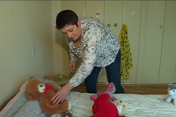 Sylvie Bertucci est assistante familiale: elle accueille trois enfants chez elle. Le Département de la Manche cherche 70 familles d'accueil.