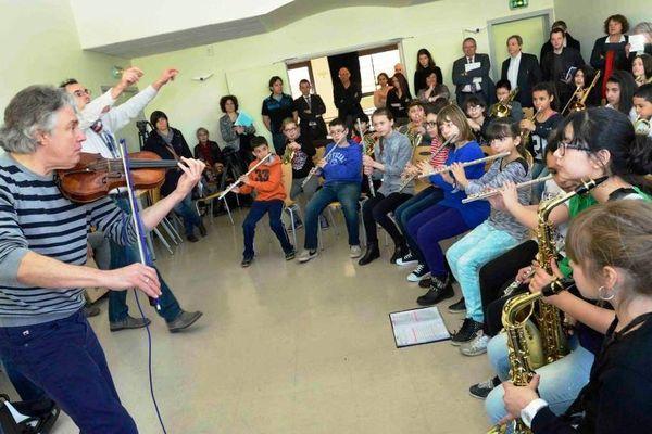 Résidence de Didier Lockwood au collège Jules Ferry de Woippy. Master classe du 17 mars 2014.