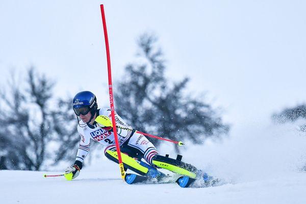 Clément Noël participe à la première manche du slalom de la Coupe du monde de ski à Chamonix, le 31 janvier 2021.