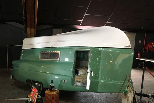 Caravane vintage Kompak Trailer Boat