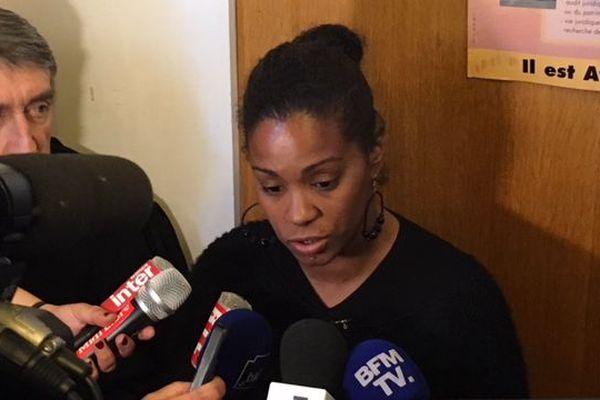 Sabrina, victime de Jacques Rançon, assiste au procès depuis le début.