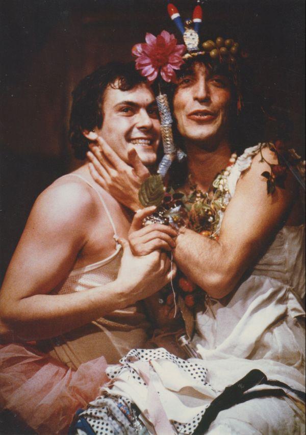 """""""Fifille""""( Jean-Pierre Bacri, et Maman (Gérard Darmon), dans Les Catcheuses de Jean-Bernard Morali, mises en scène par Jean-Louis Manceau"""