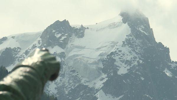 Le pan qui menace est visible depuis Chamonix