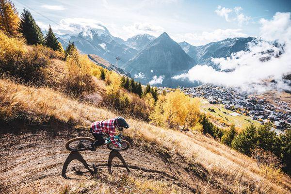 Chaque année, les 90 kilomètres de pistes des2 alpes accueillent aux alentours de 35000 vttistes