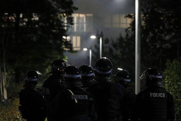 Des tensions ont eu lieu entre certains habitants d'Argenteuil et la police après la mort d'un jeune homme dimanche 17 mai. (Illustration)