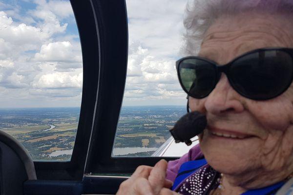 """""""Faut monter là-haut pour voir la Terre !"""" Paulette Jousseau, 100 ans."""