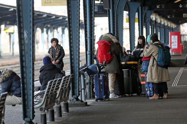 """Le trafic revient à """"un niveau semblable à celui du début de semaine"""", estime la SNCF en prévision de ce vendredi 10 janvier."""
