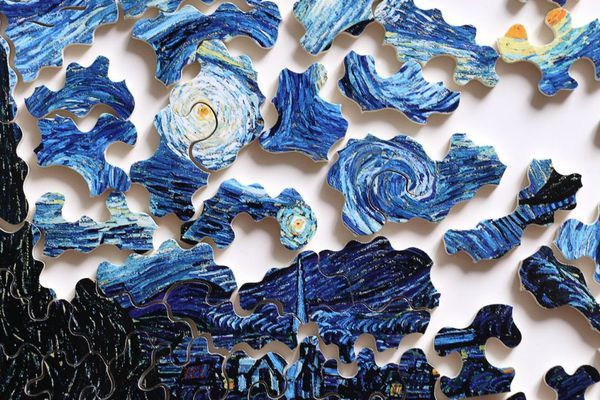 """Le célèbre tableau """"Nuit étoilée"""" de Van Gogh sous forme de puzzle Michèle Wilson"""