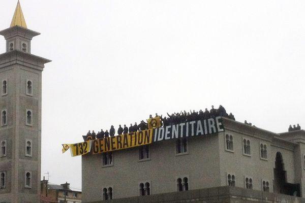 """L""""occupation de la mosquée en 2012 à Poitiers."""