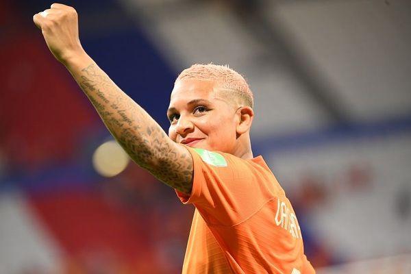 Shanice van de Sanden, qui joue à l'OL depuis 2017, se retrouve en finale de la Coupe du Monde féminine de football sous les couleurs des Pays Bas. L'attaquante va jouer cette finale contre les Américaines à domicile, au Groupama Stadium de Décines dimanche 7 juillet.