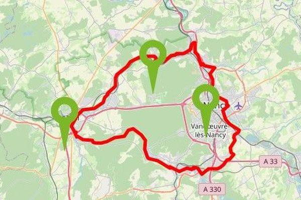 La boucle de la Moselle est une véloroute de plus de 80 km ponctuée de trois grandes étapes: Nancy, Liverdun et Toul
