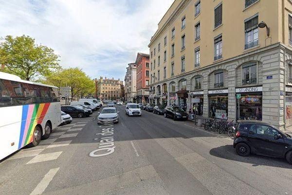 L'impact s'est produit à hauteur du 9 quai des Célestins à Lyon.