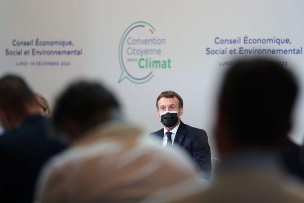 Emmanuel Macron a confirmé la tenue d'un référendum sur l'inscription de la défense du climat et la préservation de l'environnement dans la Constitution.