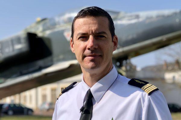 Le colonel Sébastien VALLETTE, Commandant de la base aérienne 705 à Tours.