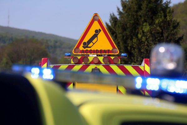 Intervention des secours sur un accident de la circulation – Archives