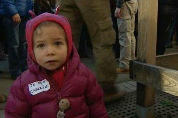 """Beaucoup de mini """"Charlie"""" ont participé à la marche républicaine à Clermont-Ferrand."""