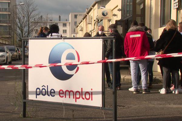 L'agence Pôle emploi de Valence où une conseillère de 53 ans a été tuée par balles jeudi 28 janvier 2021