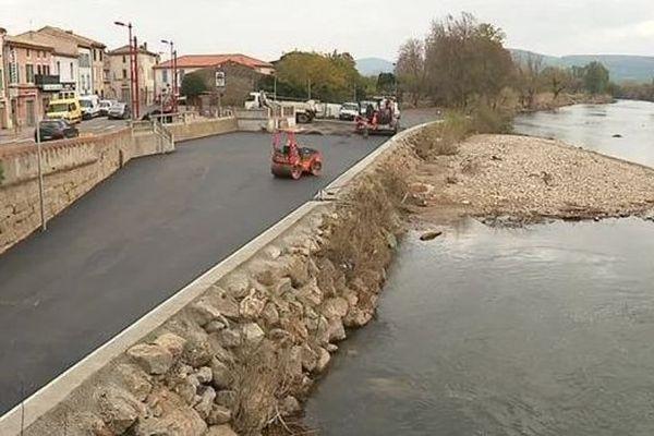 Le 15 novembre dernier, la ville de Trèbes était encore en travaux, suite aux inondations. A l'image de ce parking, situé au bord de l'Aude.