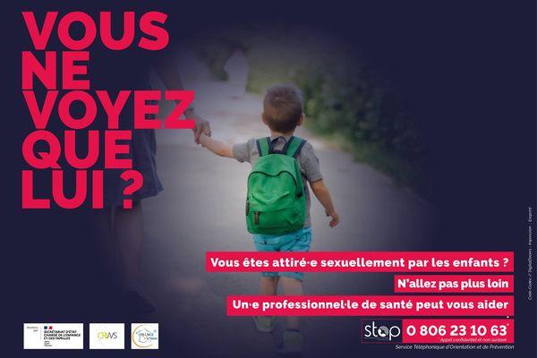 La campagne d'affichage mise en place par le gouvernement pour le dispositif stop destiné à orienter les pédophiles vers des soins