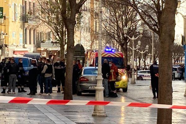Une partie du centre-ville de Toulon est actuellement bouclé.