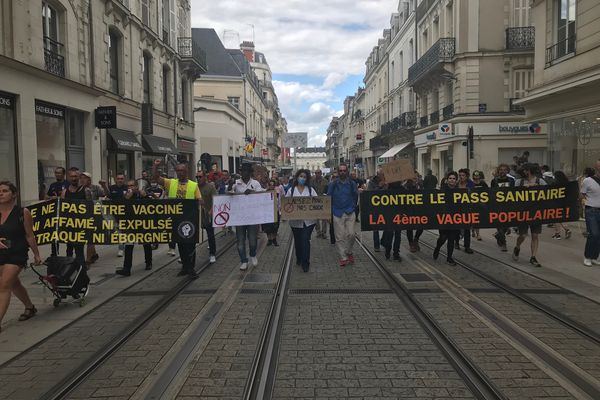 Une manifestation dans le calme à Angers.