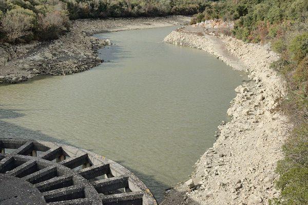 Le Crieulon au niveau du barrage de la Rouvière, chargé d'écrêter les crues. ARCHIVES