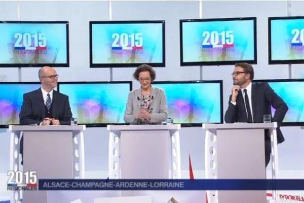 Mathieu Morel, Géraldine Dreyer et Vincent Thollet, nos journalistes politiques animateurs de ce débat.