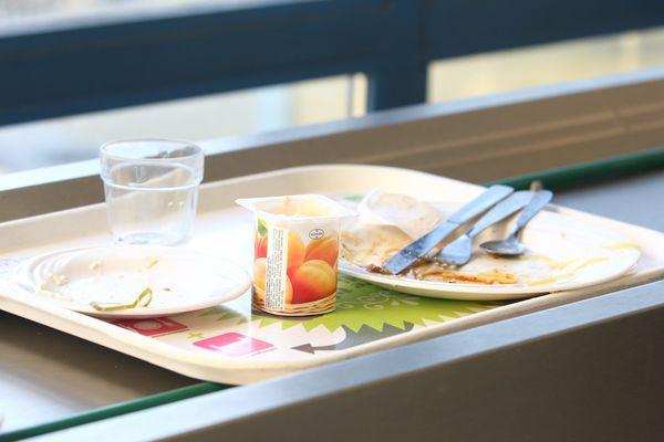 Comment lutter contre le gaspillage alimentaire ? Les cantines scolaires mettent en place des solutions