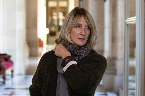 Elisabeth Toutut-Picard, dans les couloirs de l'Assemblée Nationale.